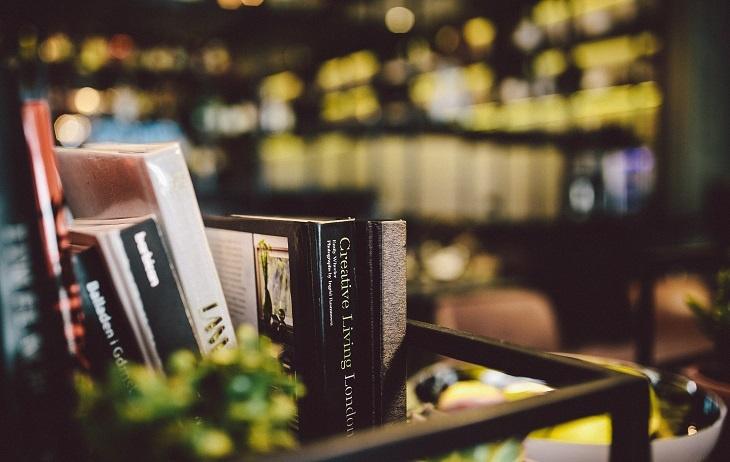kaboompics.com_Books